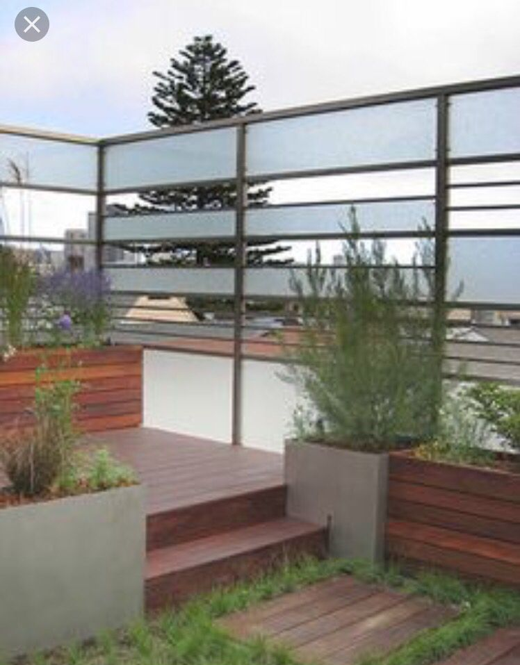 Frosted Glass Panel Instead Of Wood Fence Design Modern Landscaping Modern Fence
