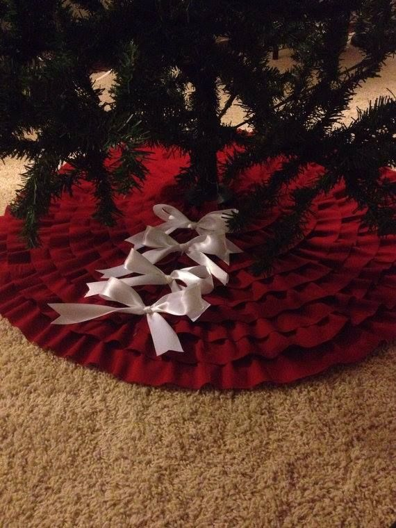 alfombra para el árbol II | Red ruffle tree skirt, Tree