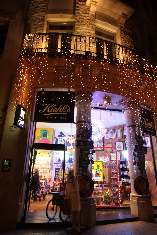 Barcelona Wohnen kiehl s store decorations barcelona festive season on