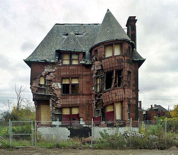 Abandoned Detroit, Abandoned Houses