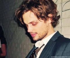Images and videos of matthew gray gubler