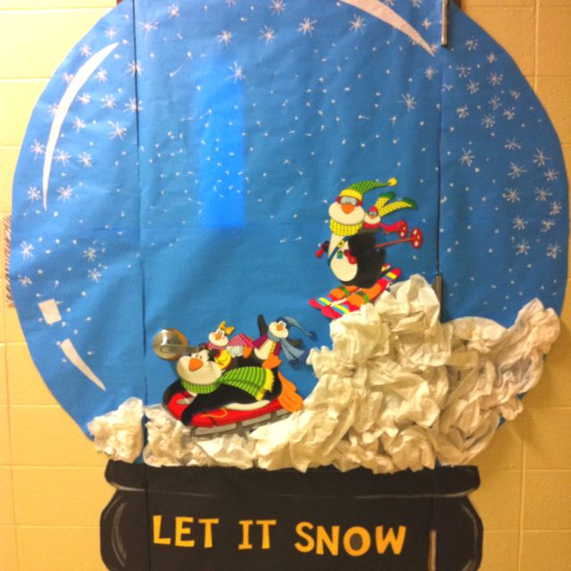 Christmas Door Decorating Ideas Snow Globe : Christmas door decoration i decided to do something a
