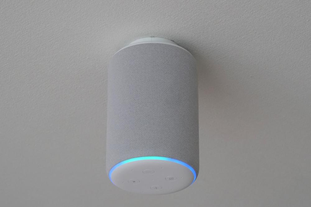 Diy Amazon Echoシリーズの天井設置で 音の降り注ぐ部屋 へ 2020
