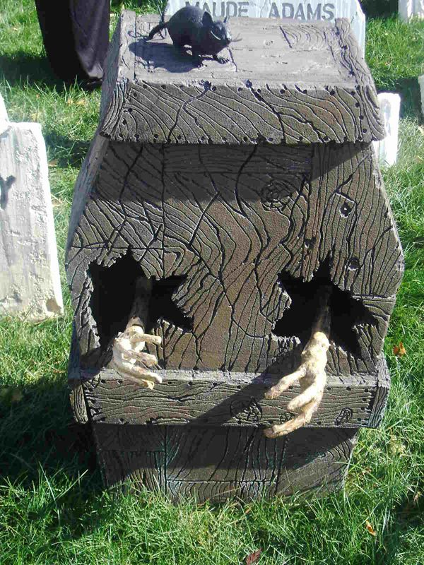 Examples of Halloween yard decor created with foam and Hot Wire Foam - yard decorations for halloween
