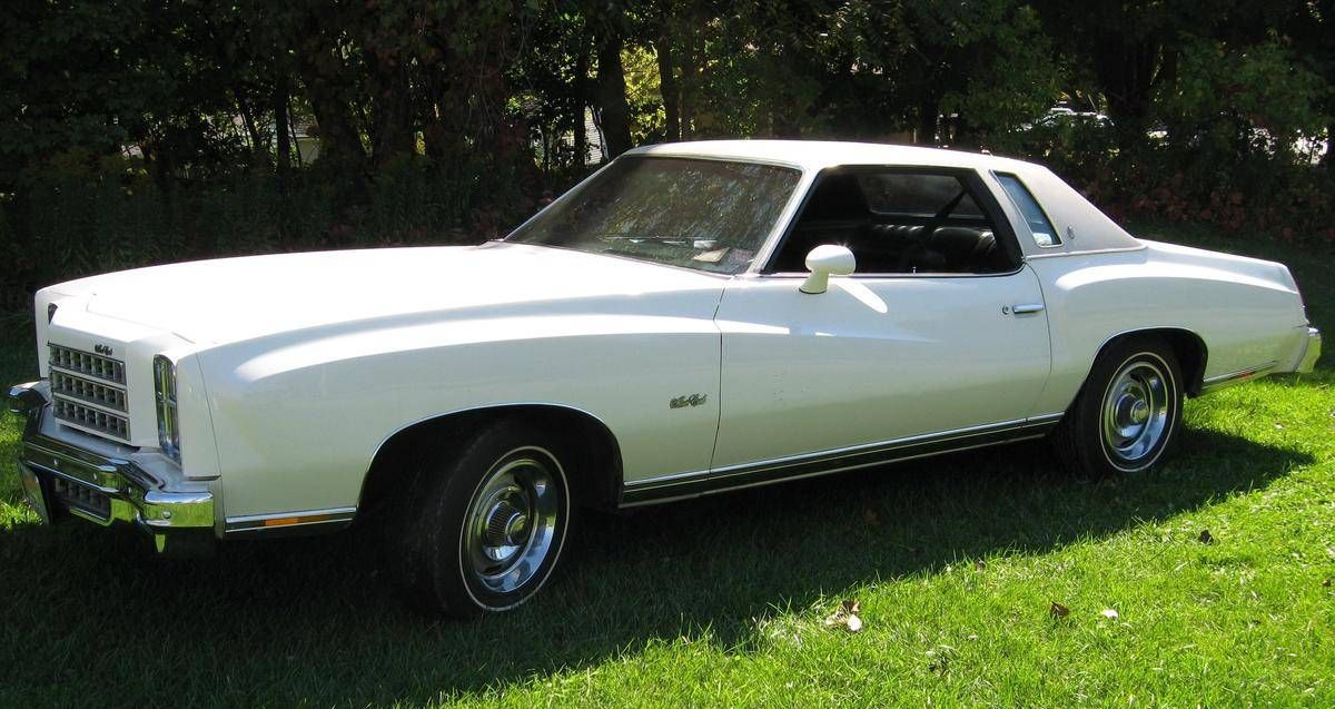 1976 Chevrolet Monte Carlo 2 Door Coupe My Brother Had A Tan White Top 76 Mc And I Loved Riding Around With Hi Chevrolet Monte Carlo Monte Carlo Car Chevrolet