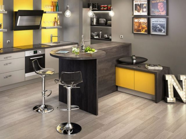 dites oui au bar c t cuisine jaune noir cuisine americaine et jaune. Black Bedroom Furniture Sets. Home Design Ideas