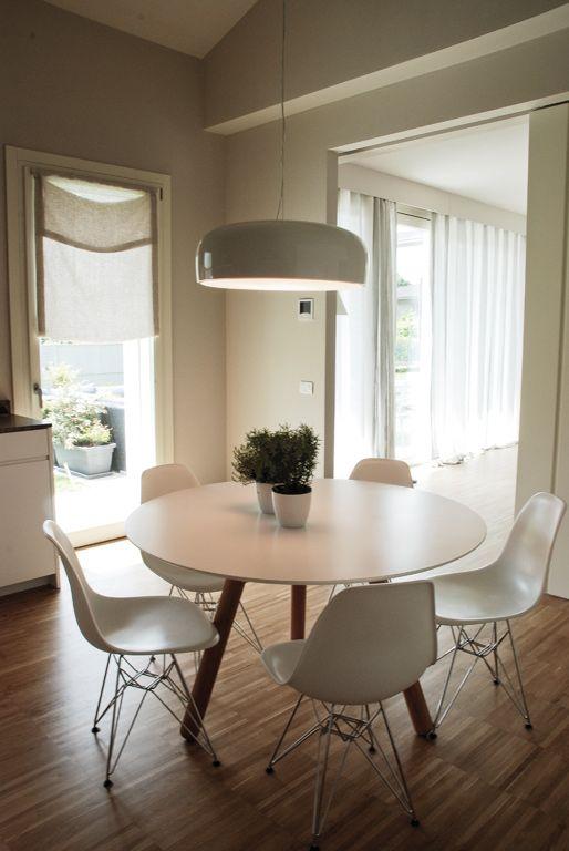 Tavolo rotondo e colori chiari nel 2019 | Arredamento, Idee ...