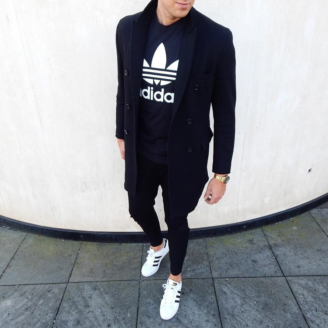 7 Essential Men's Streetwear Pieces To Create a Neat Look on