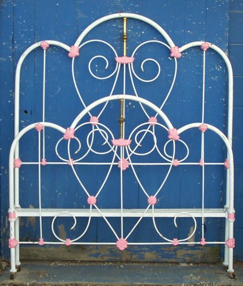 Look Close See The Heart Shape Subtle Victorian Circa 1885 Ironbeds Antiqueironbeds Antique Iron Beds Antique Iron Victorian Decor