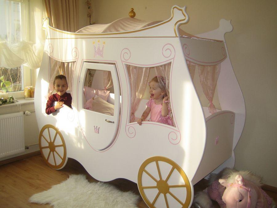 Das Kutschenbett in weiß-gold    wwwkindermoebelparadiesde - schlafzimmer einrichten mit babybett