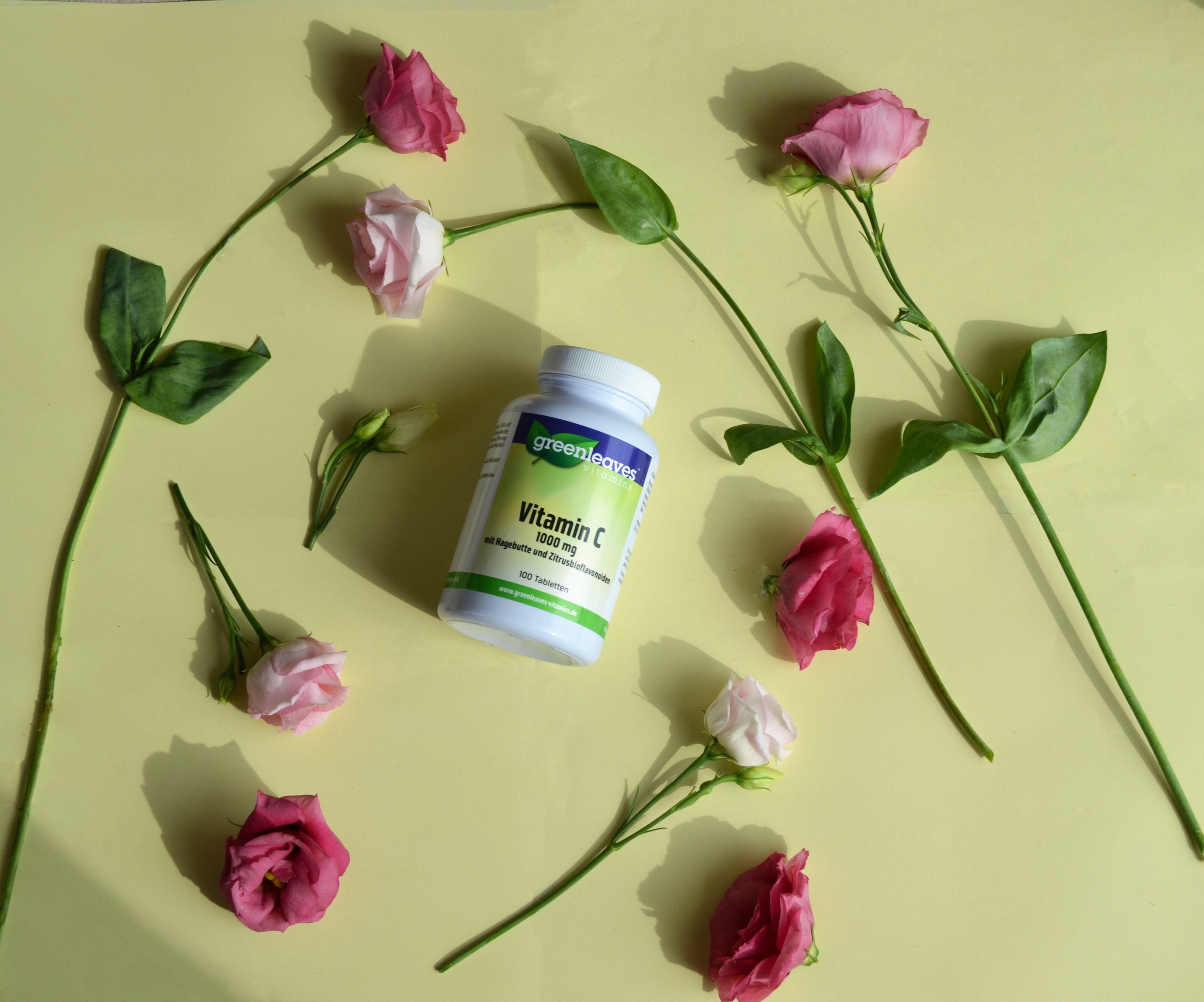 Vitamin C mit Hagebutte und Zitrusbioflavonoiden. Die