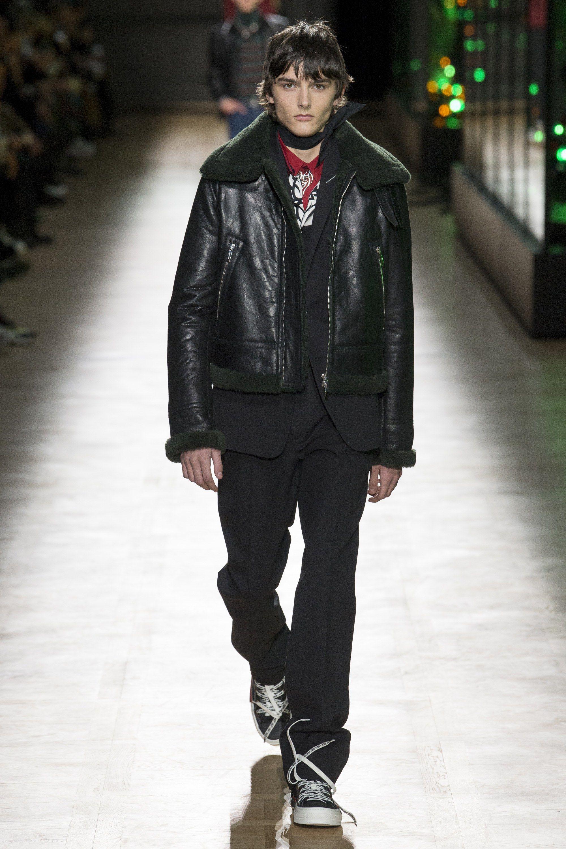 Fashion week Homme dior fall runway for woman