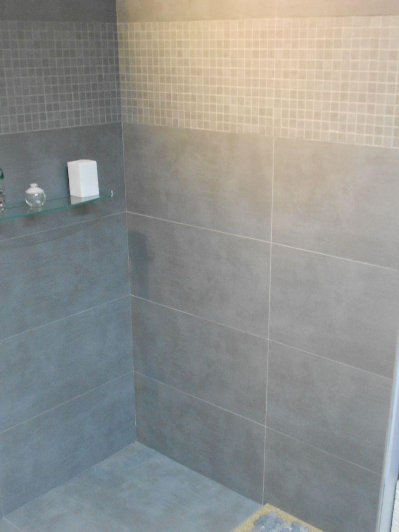 Intérieur douche, mais frise de mosaïques verticale | For the Home ...