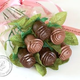 Beautiful Gift For A Special One With Flowers And Chocolate Cool