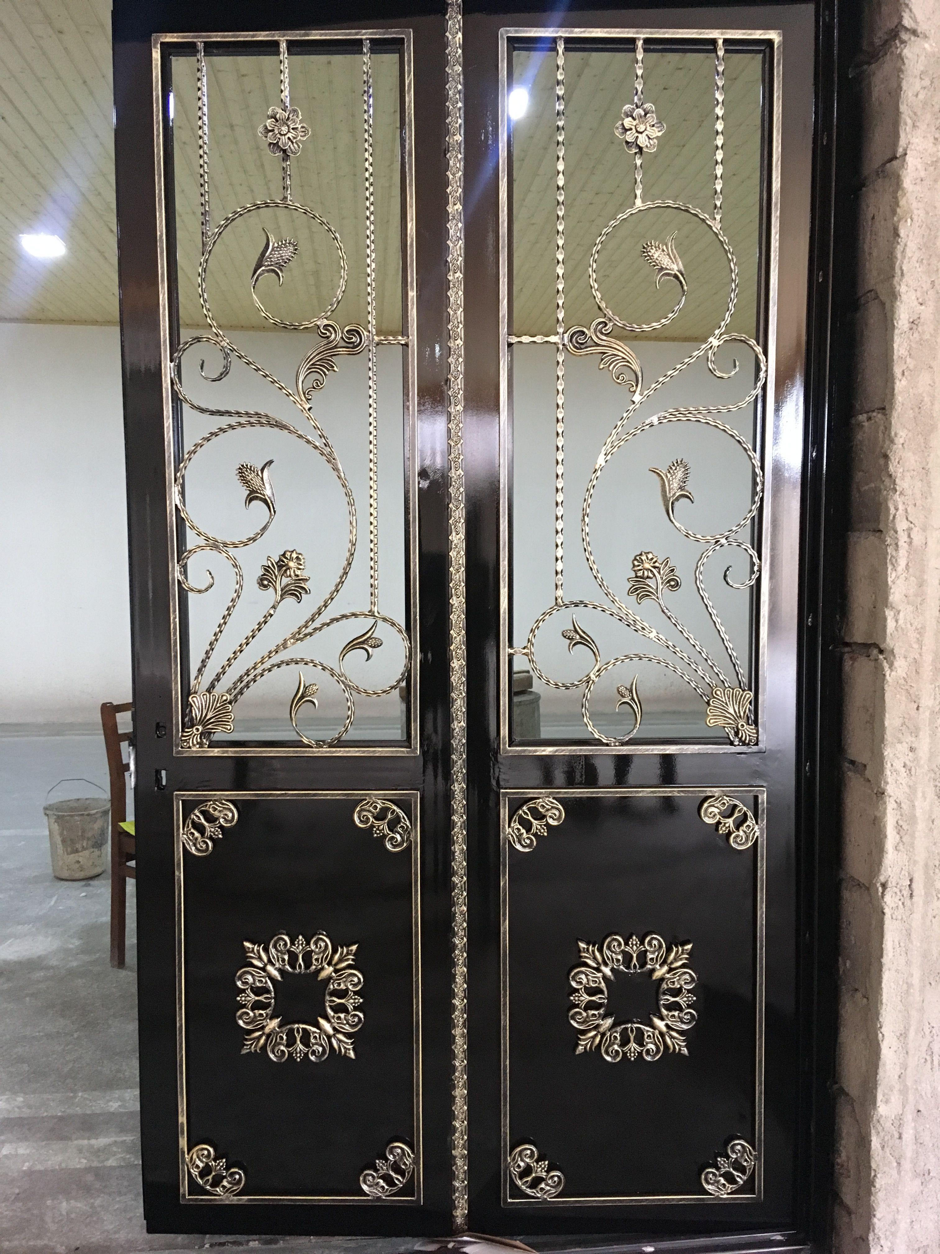 Pin By Sergio Piel On Doors Iron Door Design Steel Door Design Door Gate Design