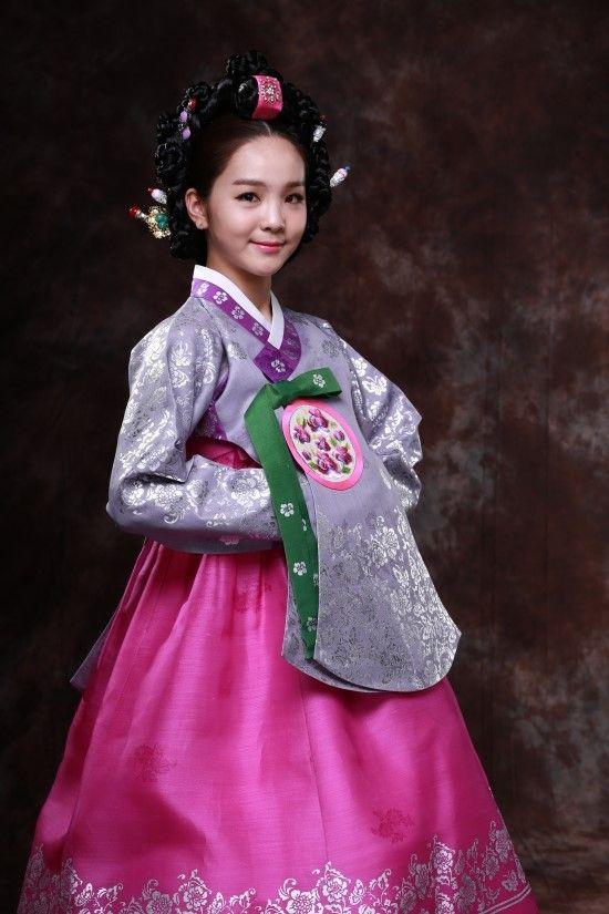 I Korean, hanbok,박지현-한복,국악소녀-송 소희. Park Ji-Hyun Korean clothes for celebrity  Music amount songsohui girl photo shoot (Park Ji-Hyun Korean clothes). mage