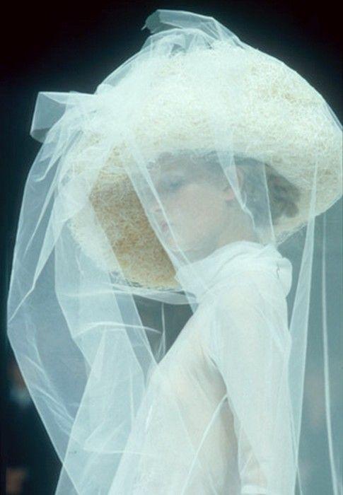 girlannachronism: Yohji Yamamoto spring 1996 rtw details
