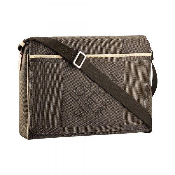 Louis Vuitton Mens Messager Messenger Bag DAMIER GEANT- perfect for a diaper bag. #bags #fashion