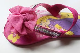 d4e571a32fab eat.sleep.MAKE.  CRAFT  Easy Flip Flop Fix (Just Add Straps!)