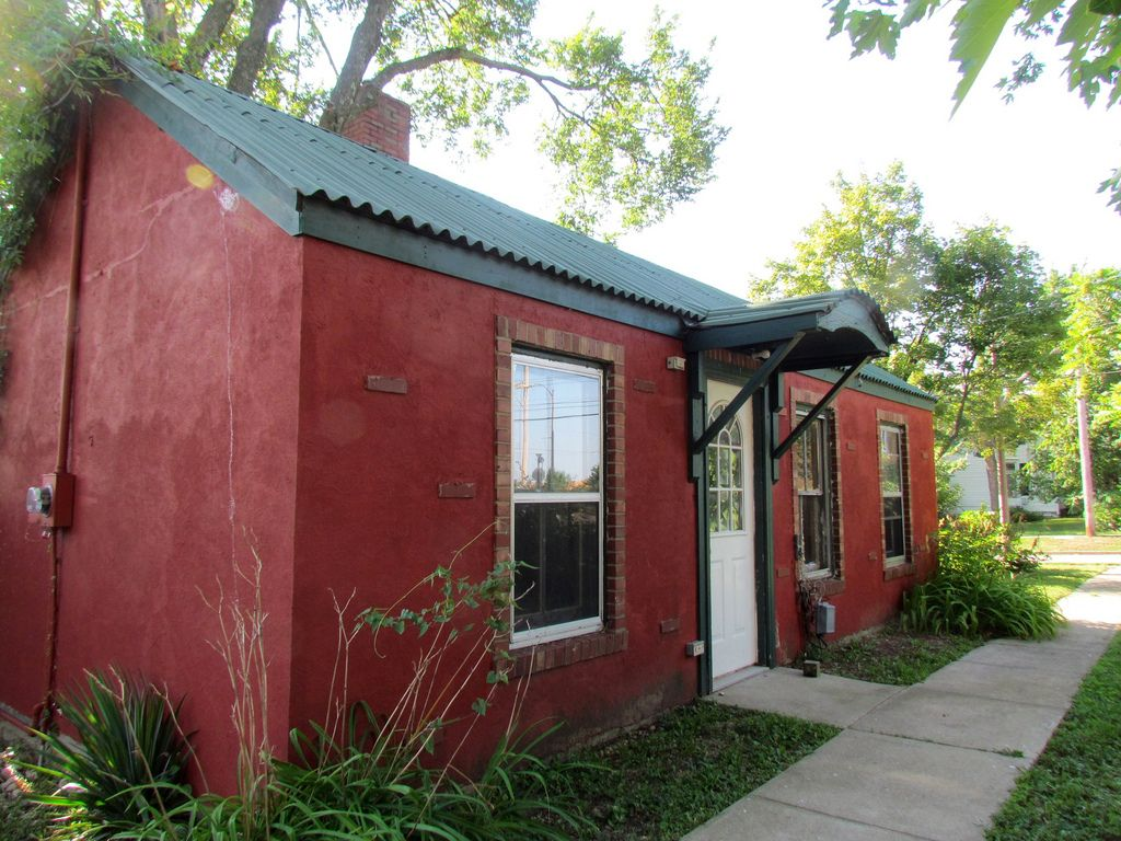 Cottage In Rolla Missouri Rolla Outdoor Decor Arts District