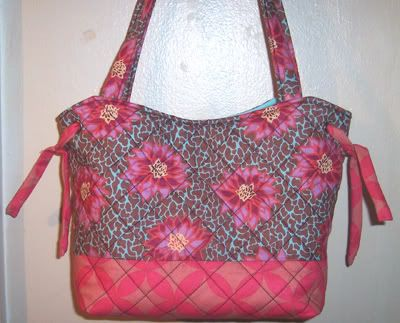absolute knock-off--Vera Bradley Style + Better Fabric and Mini-Tute!{IMGS} - PURSES, BAGS, WALLETS#msg1626047