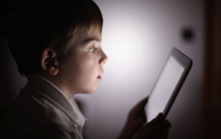 How much time does your child spend in front of the TV? Officials update recommendations