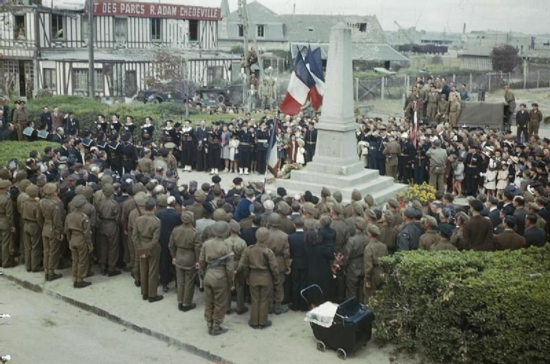 Bastille Day in Courseulles, Normandy, 14 July 1944 TR2000 - Category:World War II color photographs in France - Wikimedia Commons