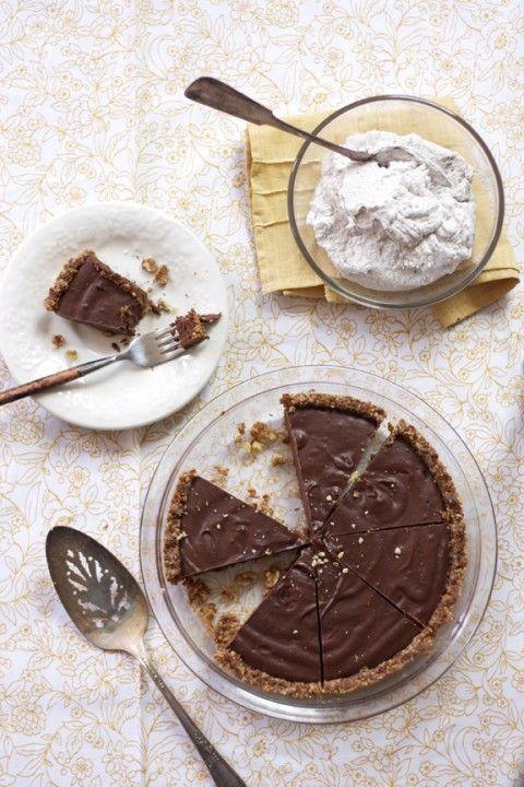 Kelly Brozyna S Paleo Gluten Free Chocolate Pie With Raw Graham
