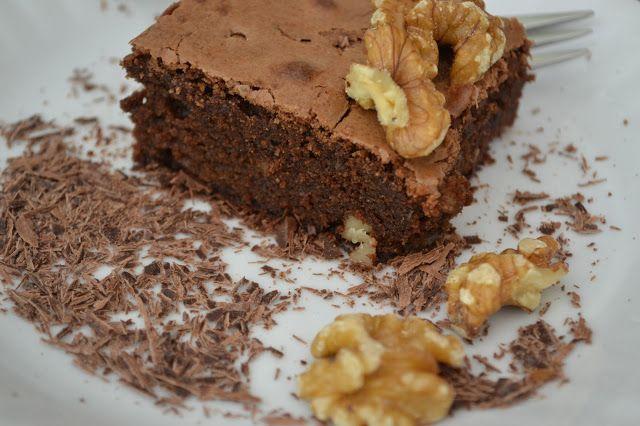 The Recipe Suitcase: American Chocolatey Walnut Brownie