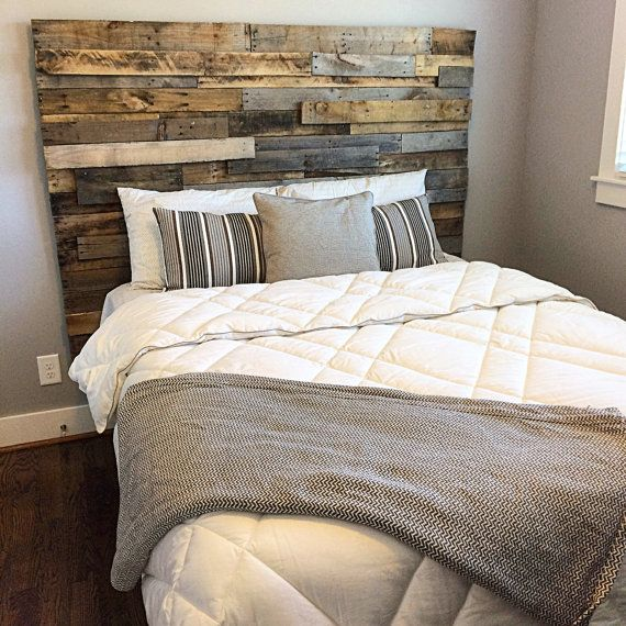 reclaimed pallet wood mosaic headboard wood headboard queen beds and barn wood. Black Bedroom Furniture Sets. Home Design Ideas