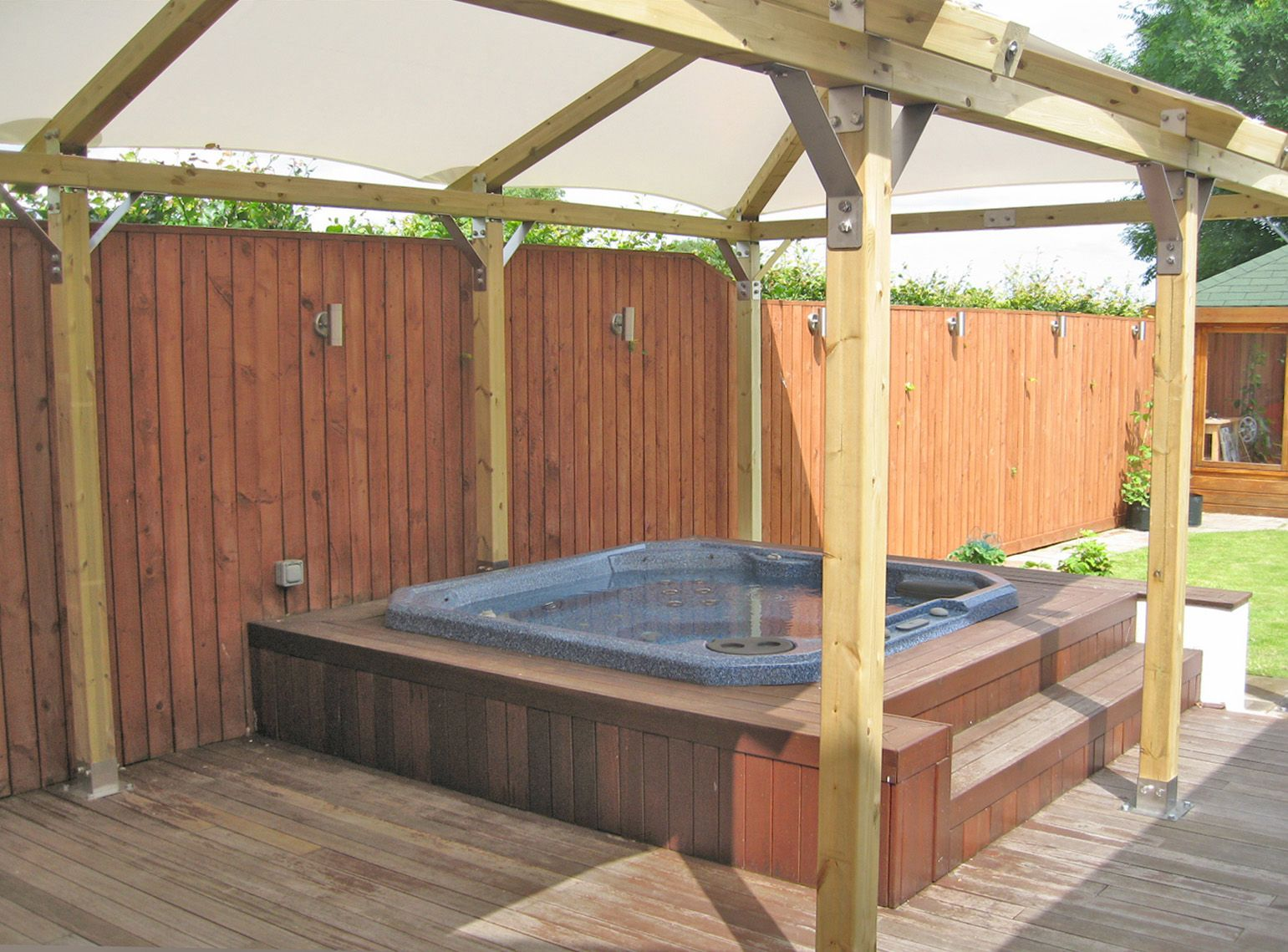 Diy spa enclosure google search decking and hot tub for Hot tub enclosures plans