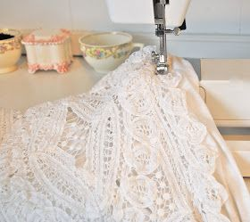 Trash To Couture: DIY. A touch of crochet blouse.
