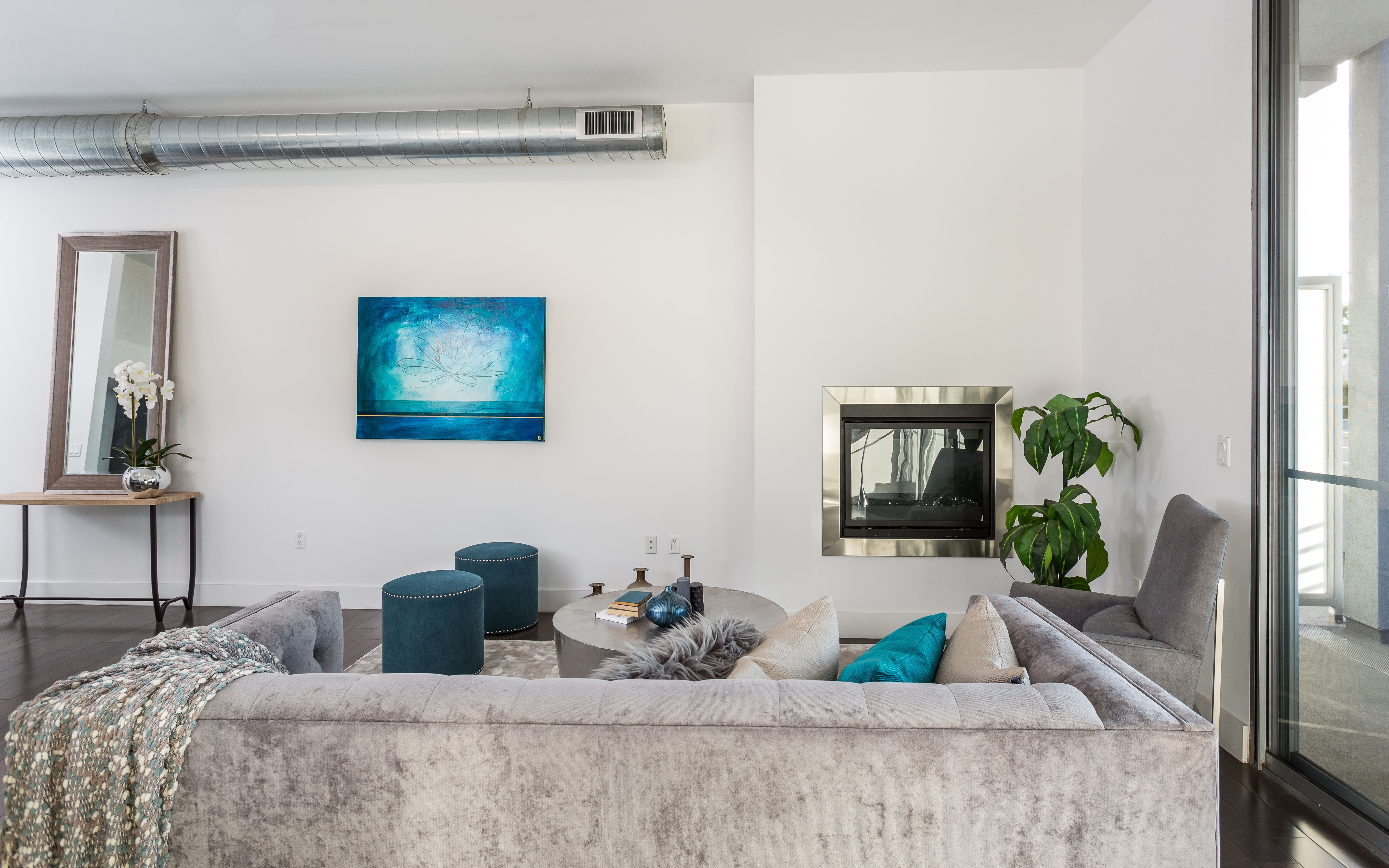 Contemporary urban lofts in the heart of downtown long beach