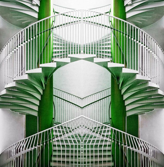 Best Green Steps Stairs Beautiful Stairs Art Deco Fashion 640 x 480
