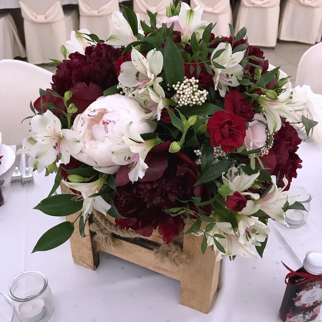 Majowe Bordo Kwiatowkilka Flowers Wedding Weddingflowers Bridal Burgundy Peonies May Weddingi Wedding Flowers Wedding Decorations Wedding