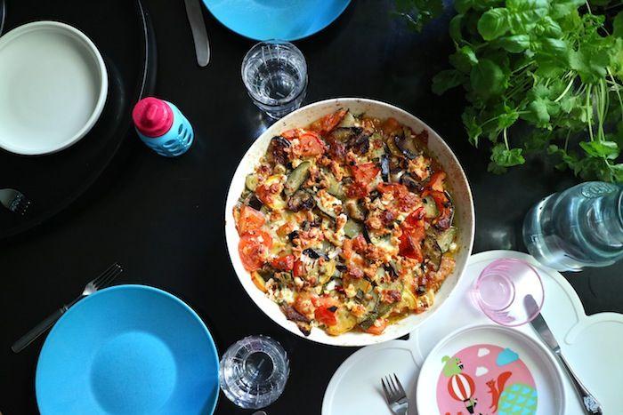 Lähiömutsi: Kesäkurpitsavuoka, jonka jäljiltä lautaset nuollaa...