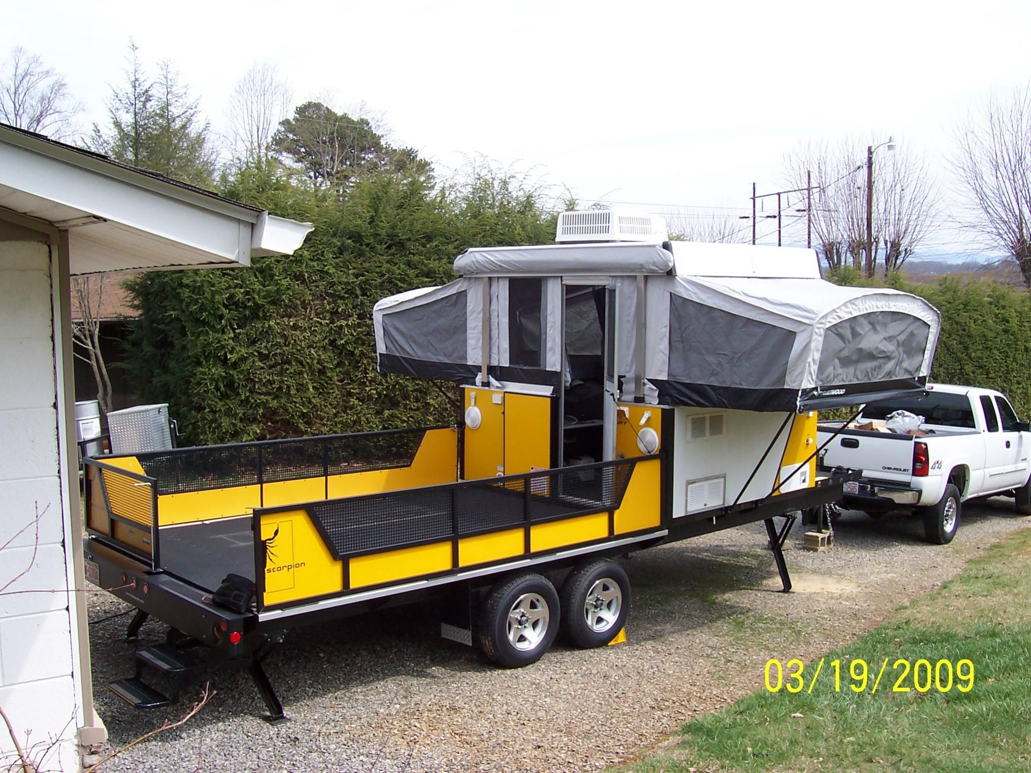Fleetwood Scorpion S1 Toy Hauler Camper- | Awesome Camping ... on pilgrim trailers, hornet trailers, v-cross trailers, forest river trailers, newmar trailers, dutchmen trailers, towlite trailers, hy-line trailers, kz trailers, prime time trailers, sidekick trailers, sunset trail trailers, r vision trailers, ultra light trailers, knaus trailers, ultra lite trailers, everlite trailers, trail lite trailers, shadow cruiser trailers, ultra hauler trailers,