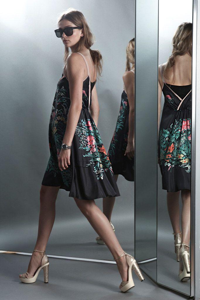 No. 21 Resort 2012 Fashion Show - Ella Kandyba