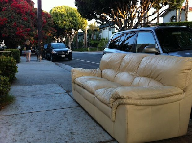All this Santa Monica couch needs is a happy home.