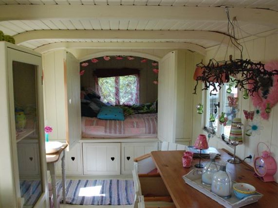 Inside a pipo wagon by vintage - Enclosed beds for adults ...