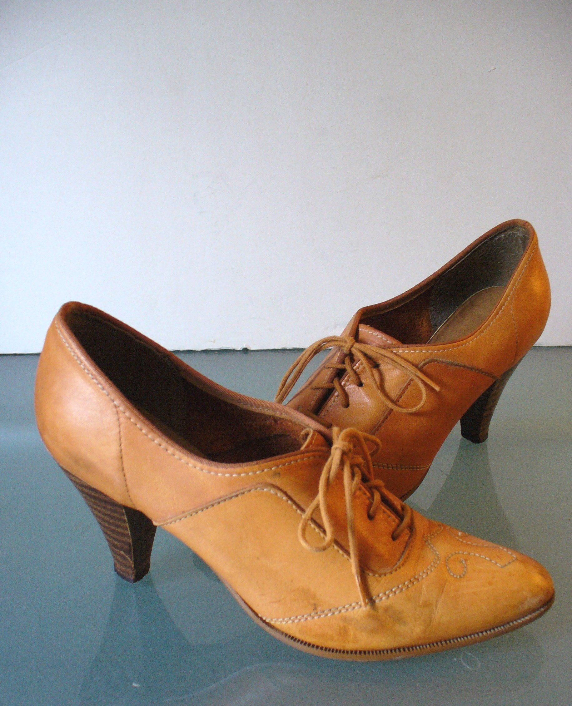 Vintage Fred Braun Heeled Woman's Oxfords By