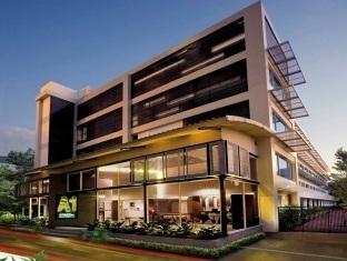 Boutique hotels exterior google search capsicum grup for Boutique hotel finder