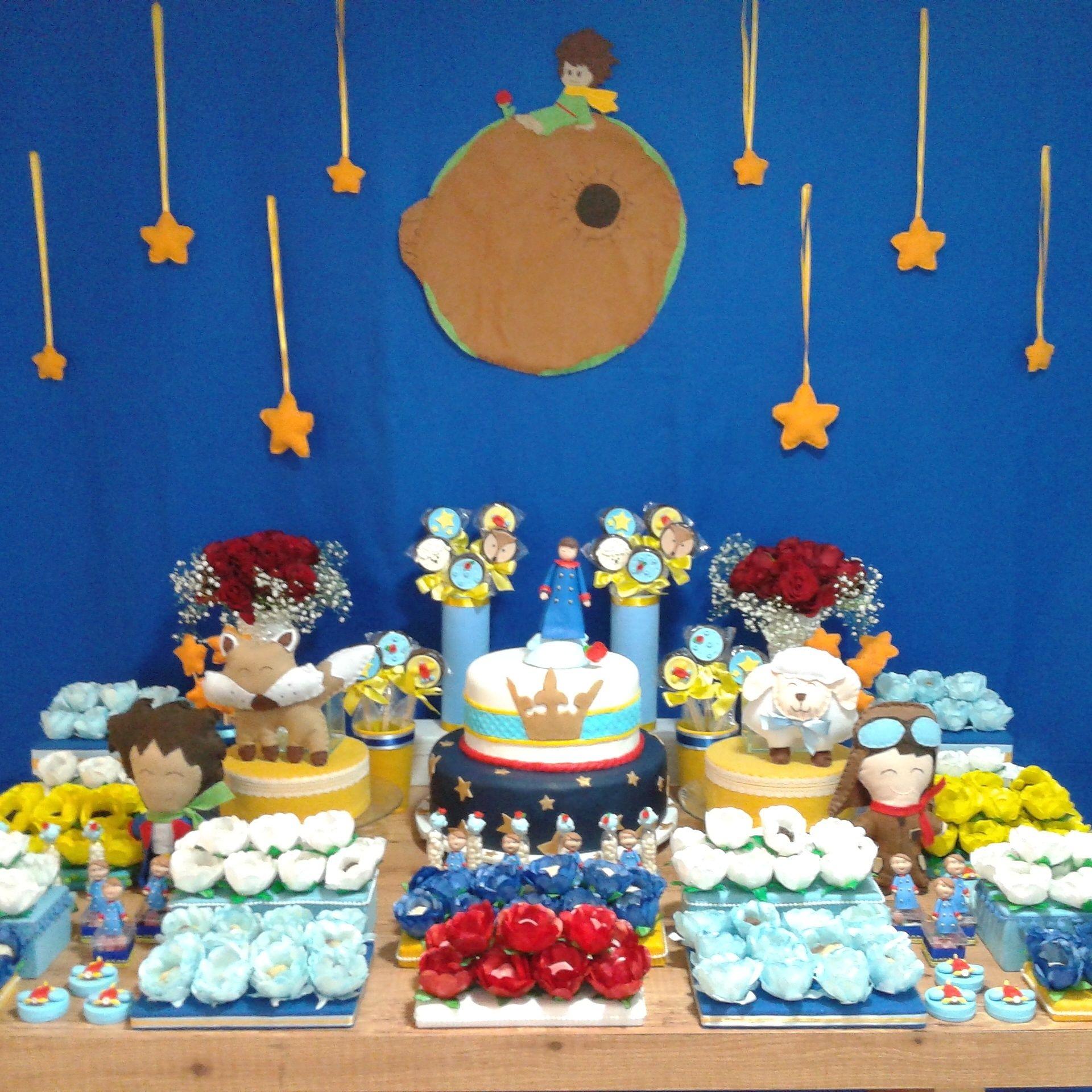 Decoração Boneca Jeitosa / Bolo e biscuits: Fadas Festeira / Decoração com balões: Sandra Sousa