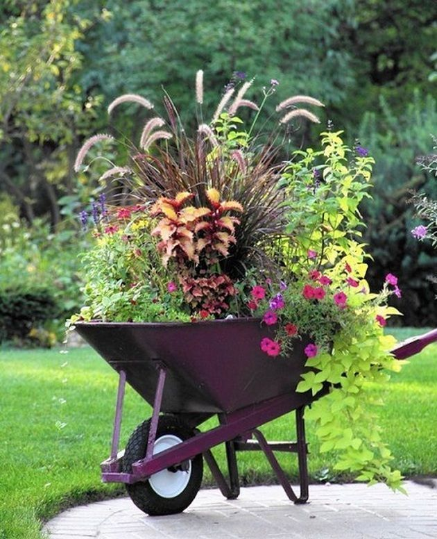 55+ Unique Container Gardening Ideas_23