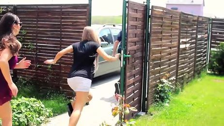 VIDEO: If humans acted like dogs! This is SOOOO FUNNY!!! https://www.facebook.com/photo.php?v=766487776704998