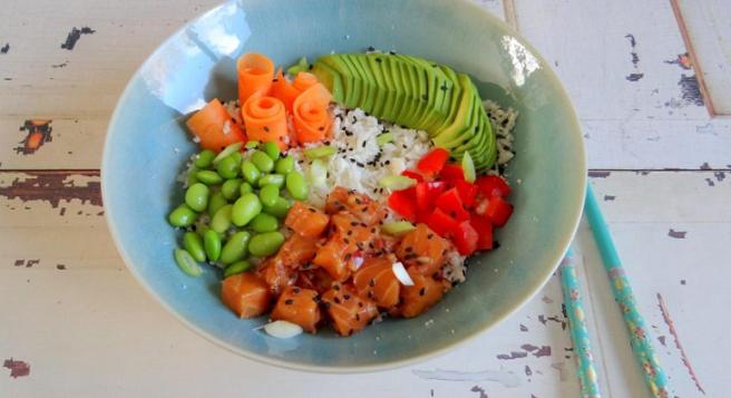 Poké bowl met zalm bloemkoolrijst StudioKOOK Culinea Foodboxchallenge