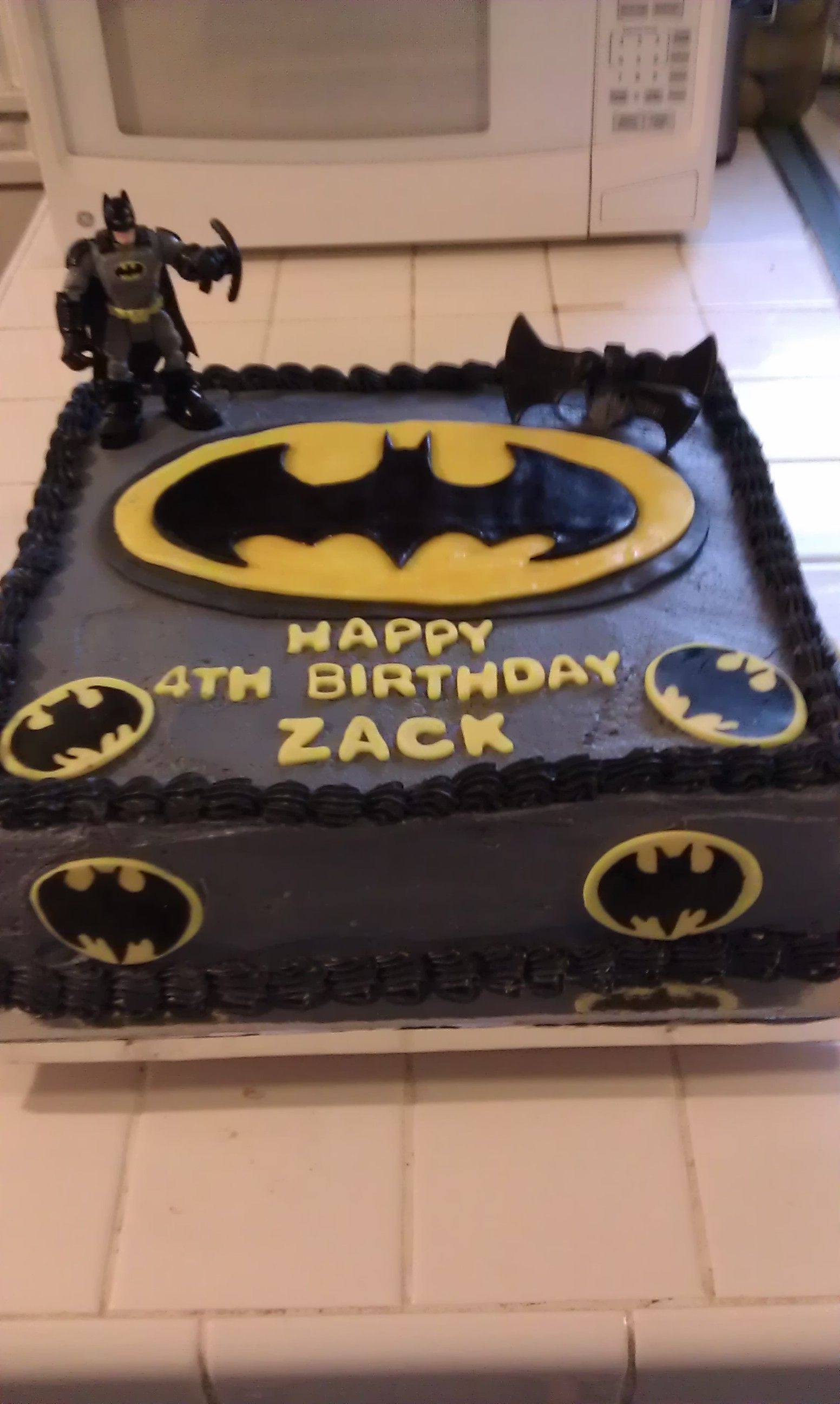 Batman cake yellow black background with yellow border Bday