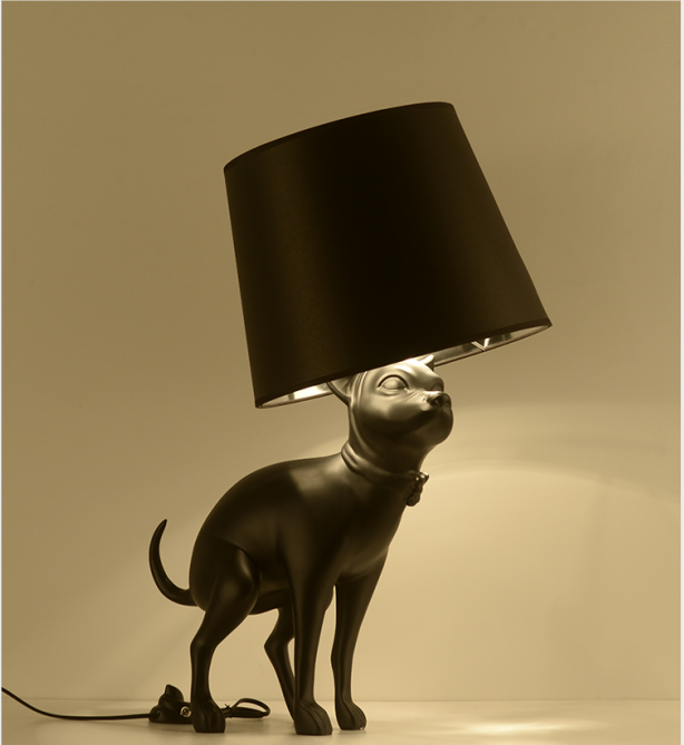 2020 的 Pooping Dog Table Lamp Floor Lamp 主题