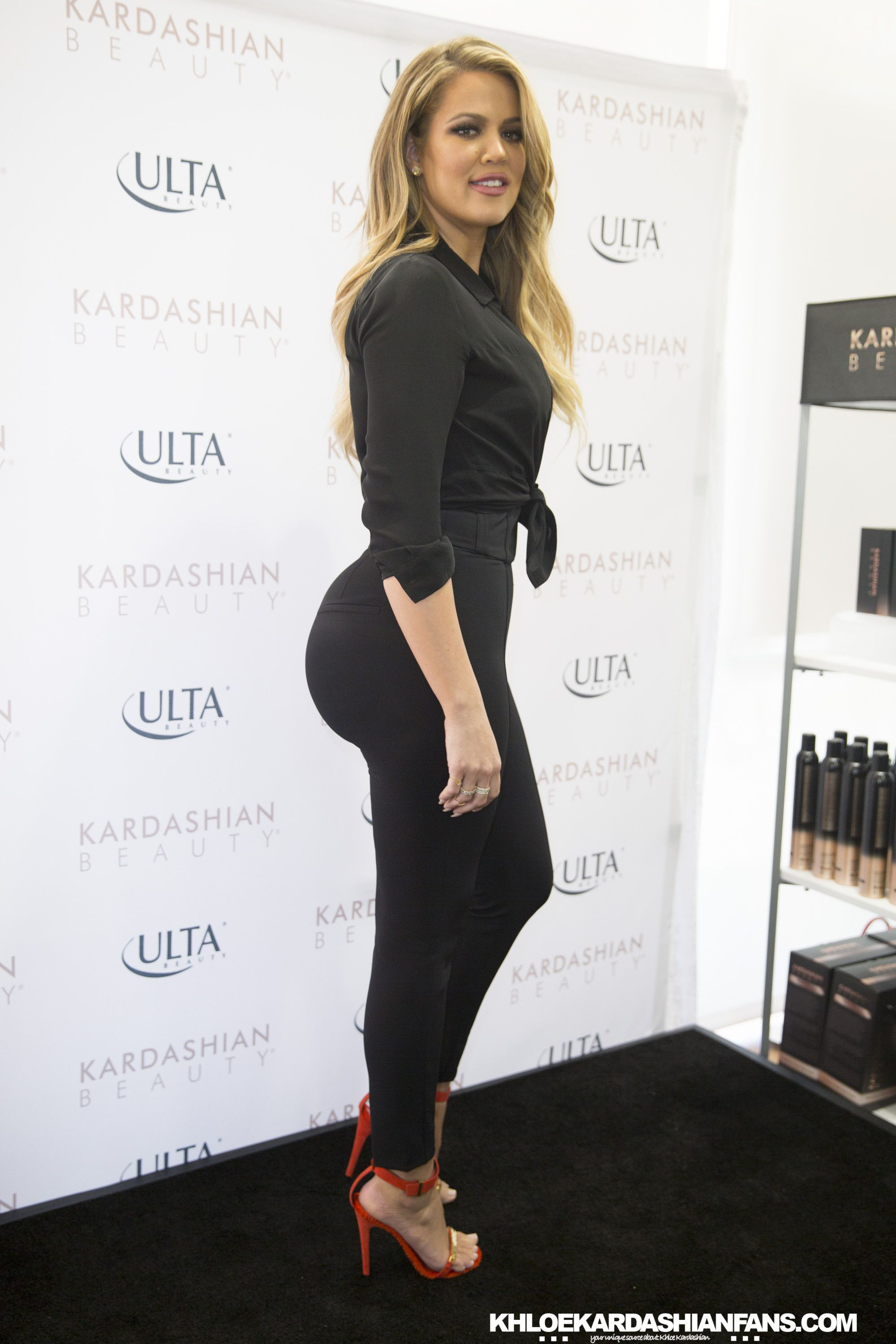 Khloé Kardashian Reveals Her Fave Butt Exercises, So You Can Get an Ass LikeKhlo