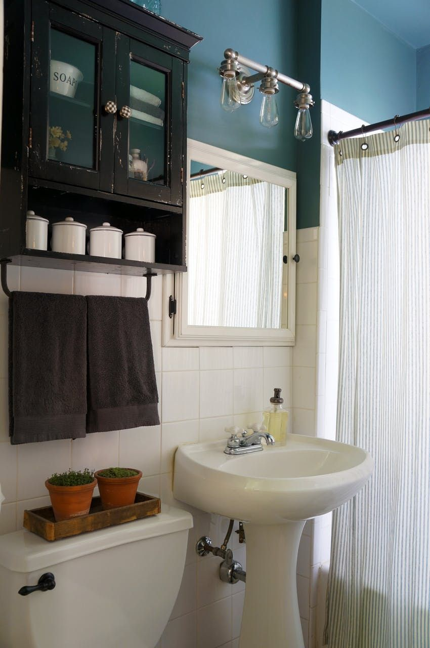 Pin By Flobe On Marrakech Farmhouse Shower Small Condo Decorating Farmhouse Style